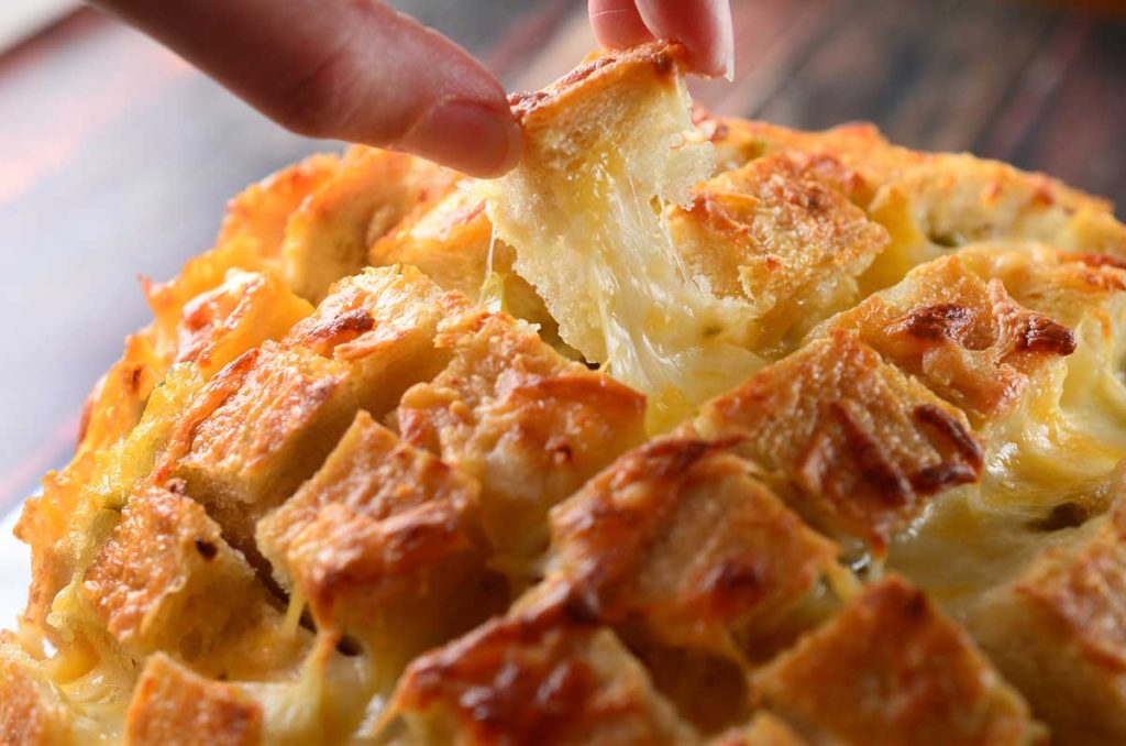 "<a href=""http://pastaacasa.com/cheesy-pull-apart-bread/"">Cheesy-Pull-Apart-Bread</a>"